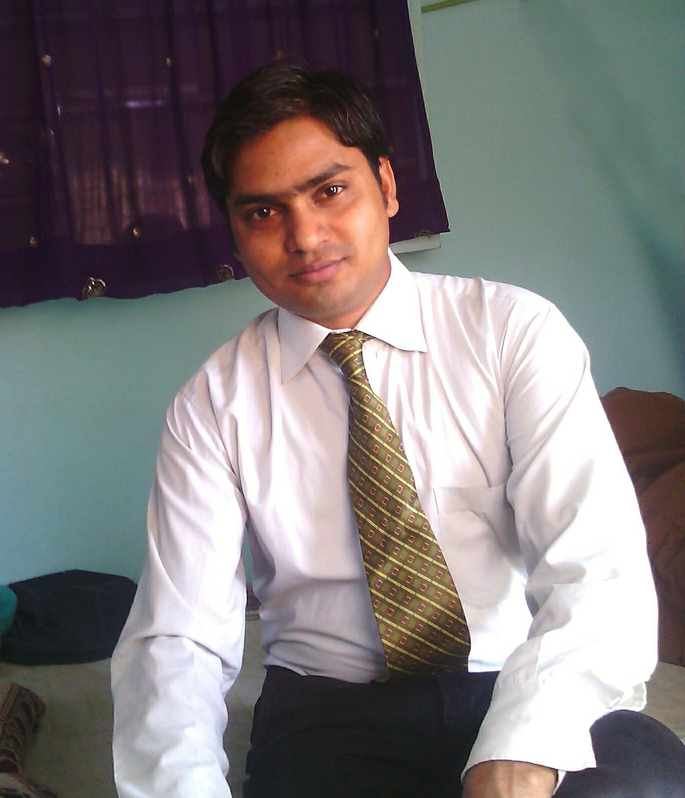 राज गोरखपुरी